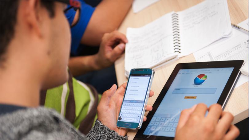 Intégrer les outils numériques en classe (tablettes, mobiles, etc.)